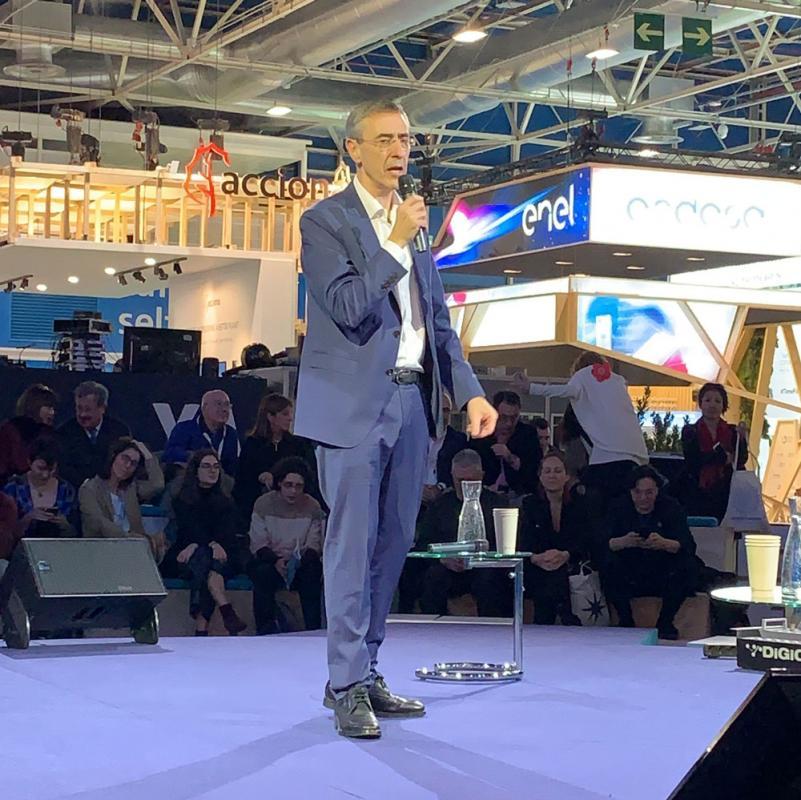 Juan Carlos Enrique presenta AMBIPLACE